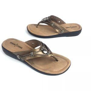 Minnetonka Silverthorne Flip Flop Sandals